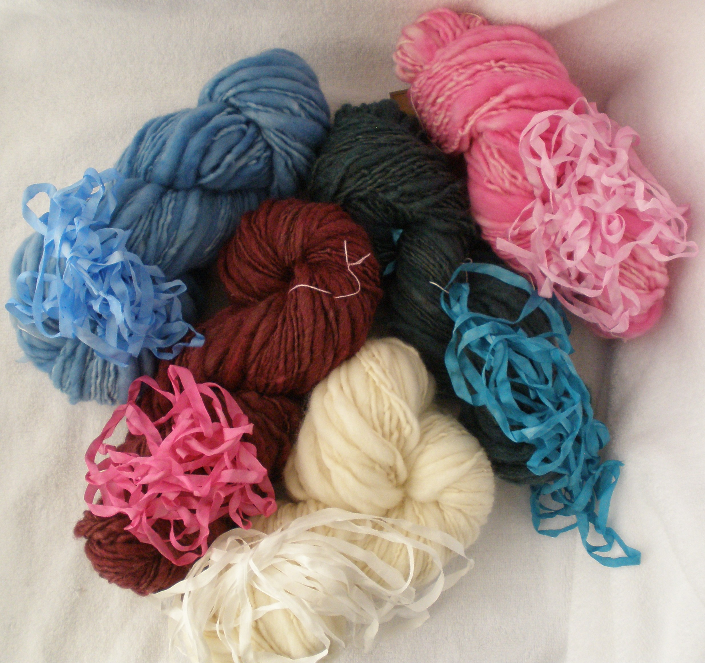 hand spun, hand dyed extreme thick-n-thin yarn